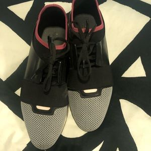 Balenciaga race multicolor sneaker sz 41
